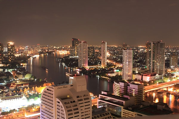 La primera tienda inmobiliaria de Porta Mondial en Asia se abrirá en Bangkok en 2014.